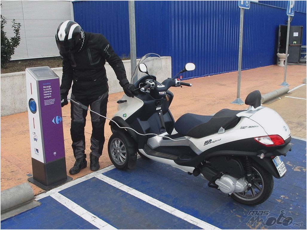 Piaggio MP3 300 Hybrid 2011 images #120540