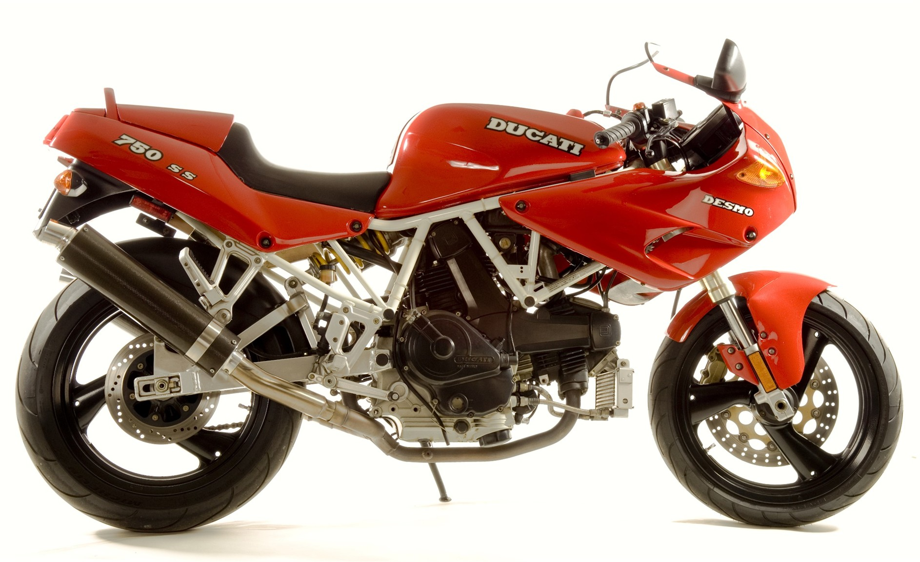 Ducati 750 SS 1998 wallpapers #11084