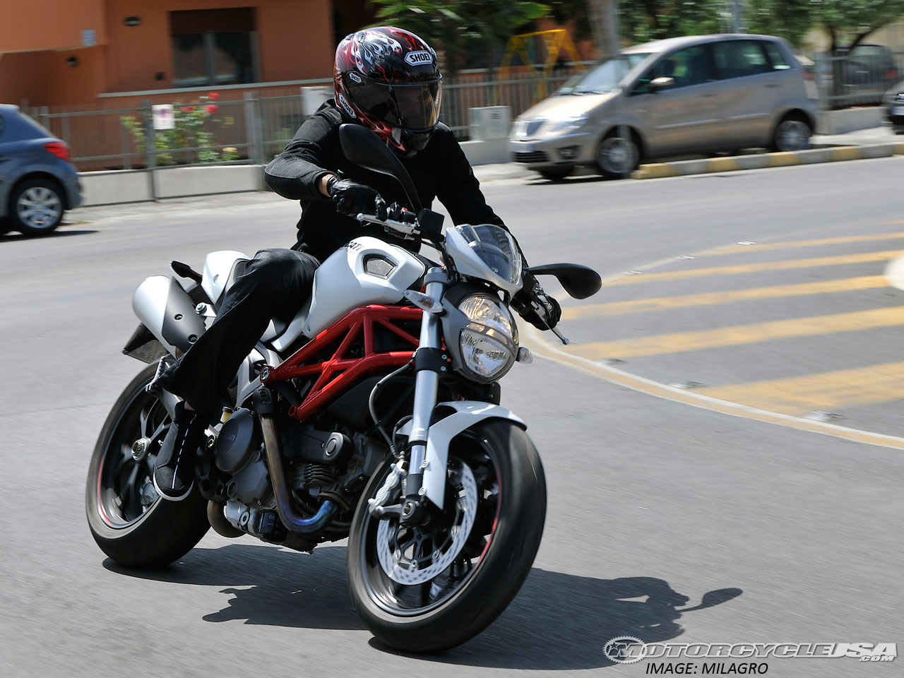 Ducati Hypermotard 796 2011 images #79585