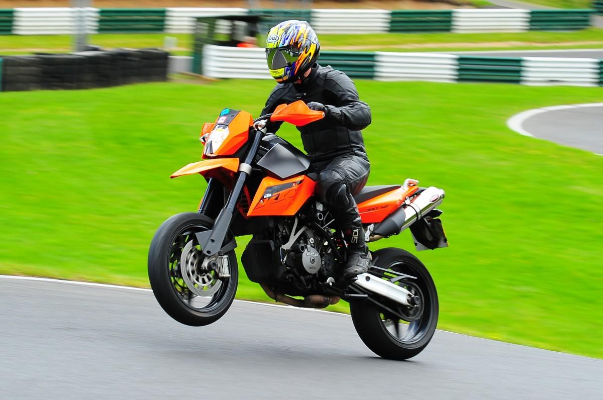 ktm 990 supermoto pics specs and list of seriess by year. Black Bedroom Furniture Sets. Home Design Ideas