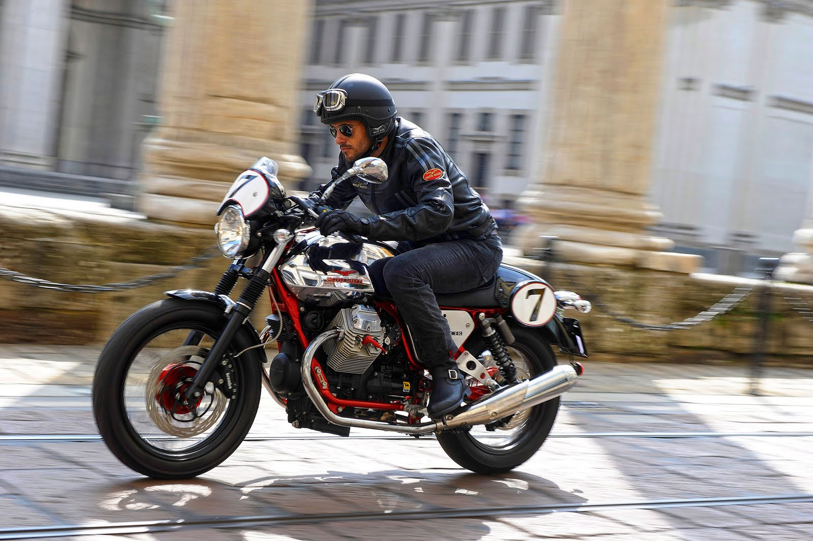 Moto Guzzi V7 Racer Limited Edition 2011 images #109584