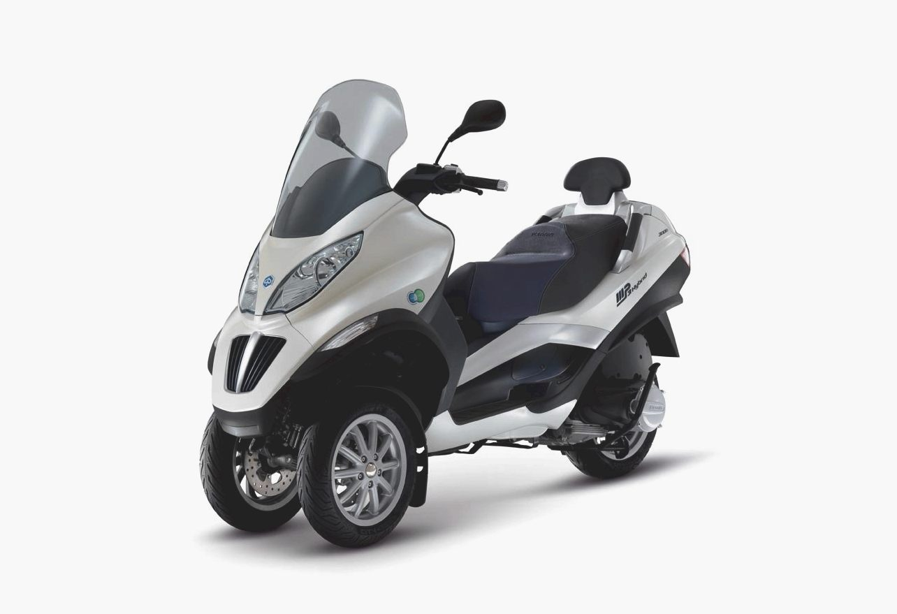 Piaggio MP3 300 Hybrid 2011 images #120542