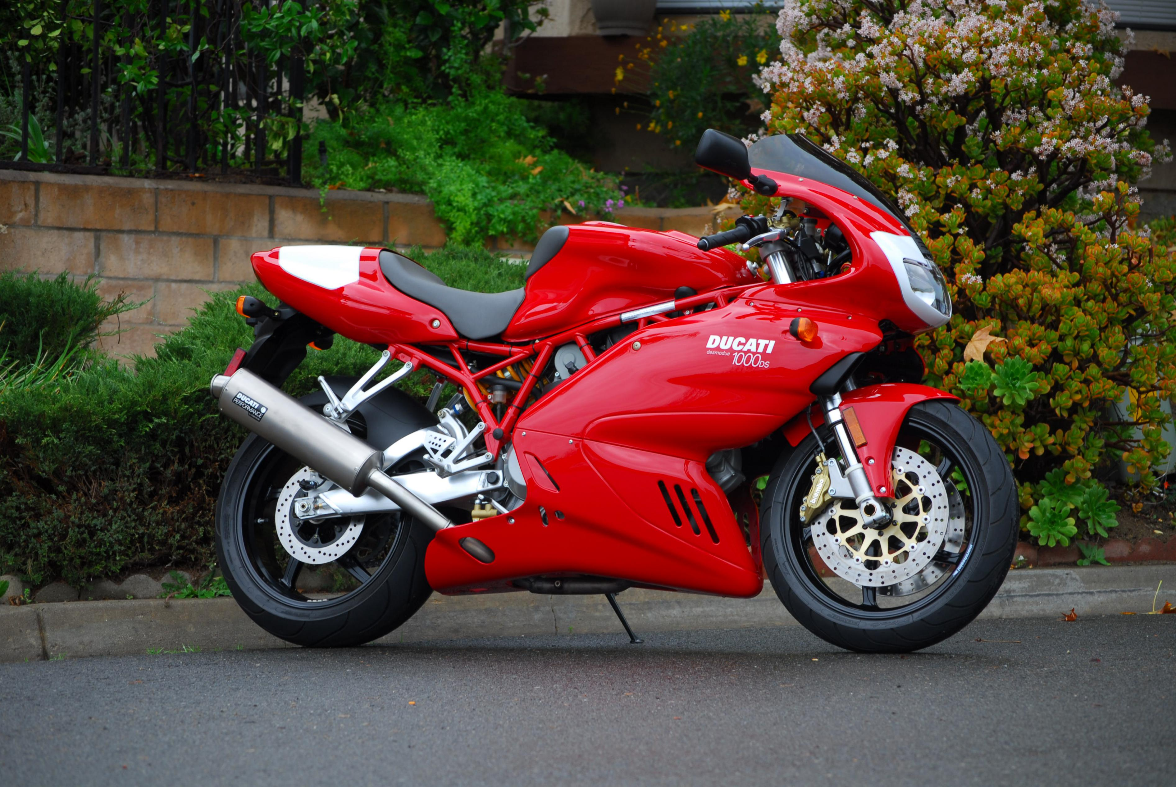 Ducati 800 Sport 2005 wallpapers #11579
