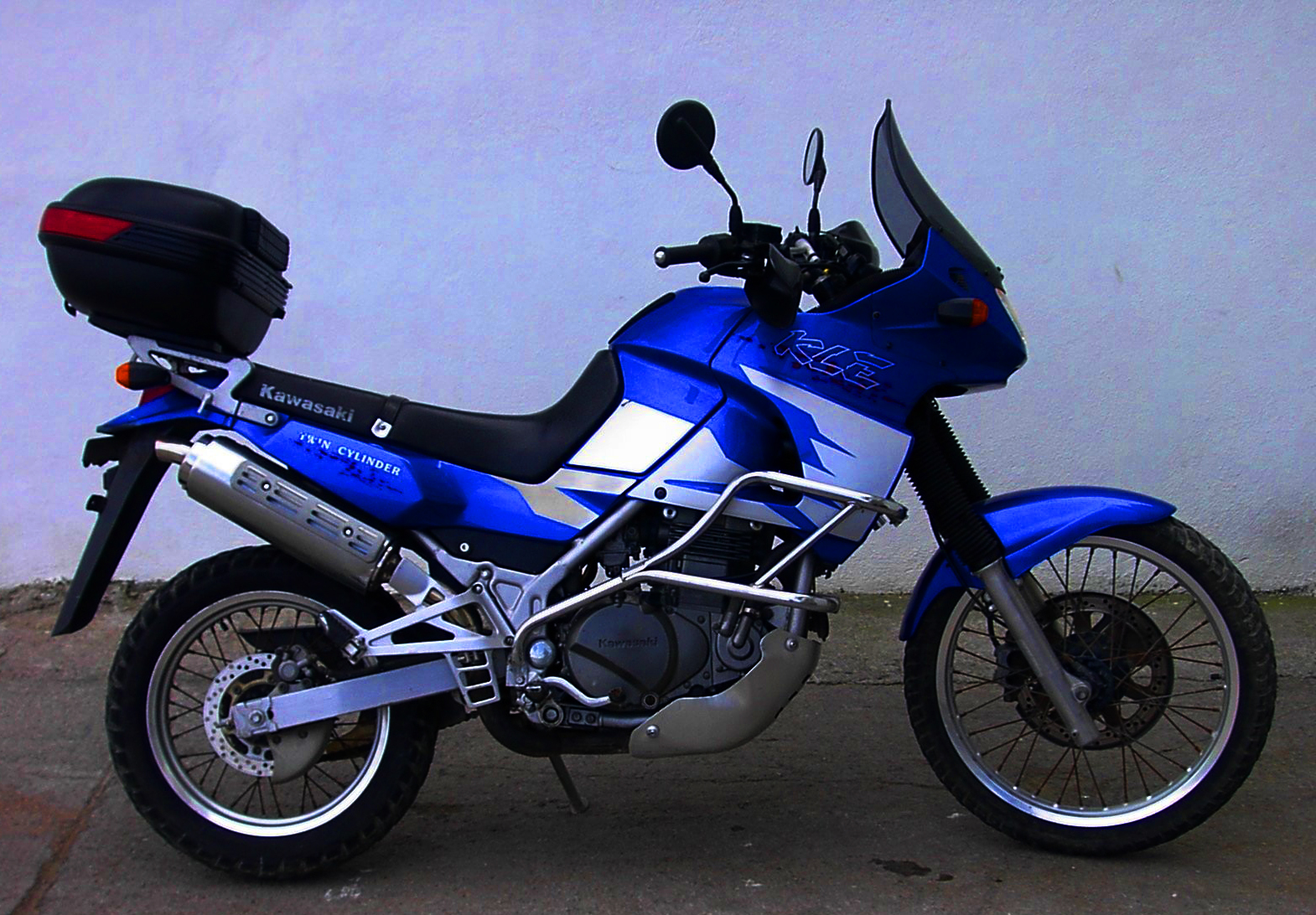2004 kawasaki kle 500 pics specs and information. Black Bedroom Furniture Sets. Home Design Ideas