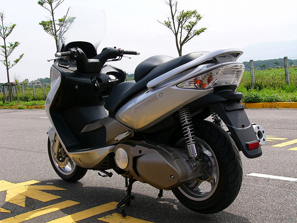 Kymco Xciting 500i 2010 images #101998