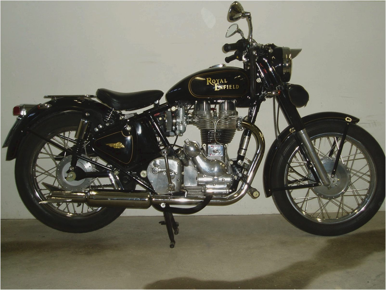 Royal Enfield Bullet 500 Classic 2011 images #123998