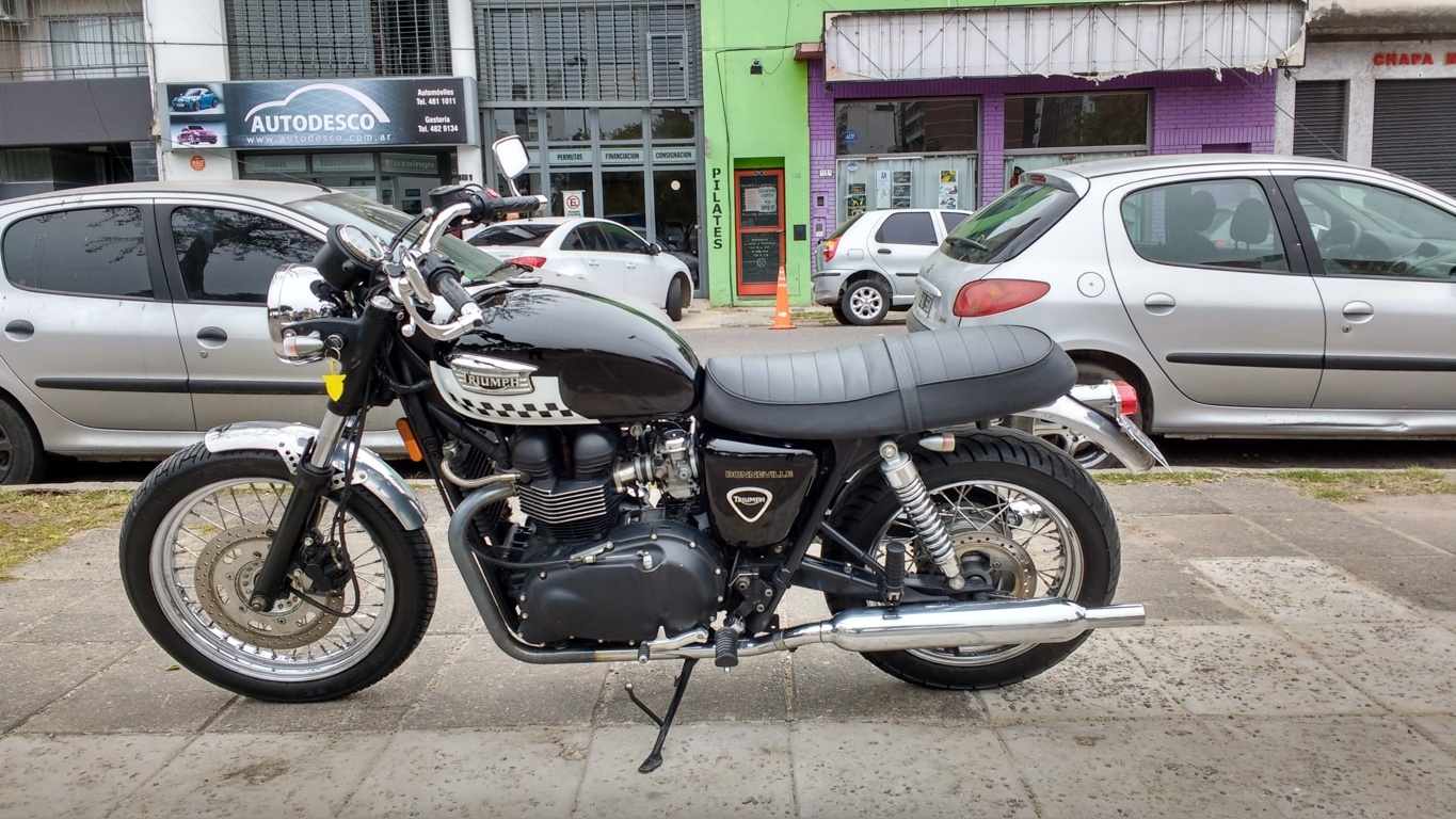2005 Triumph Bonneville 800  Pics  Specs And Information