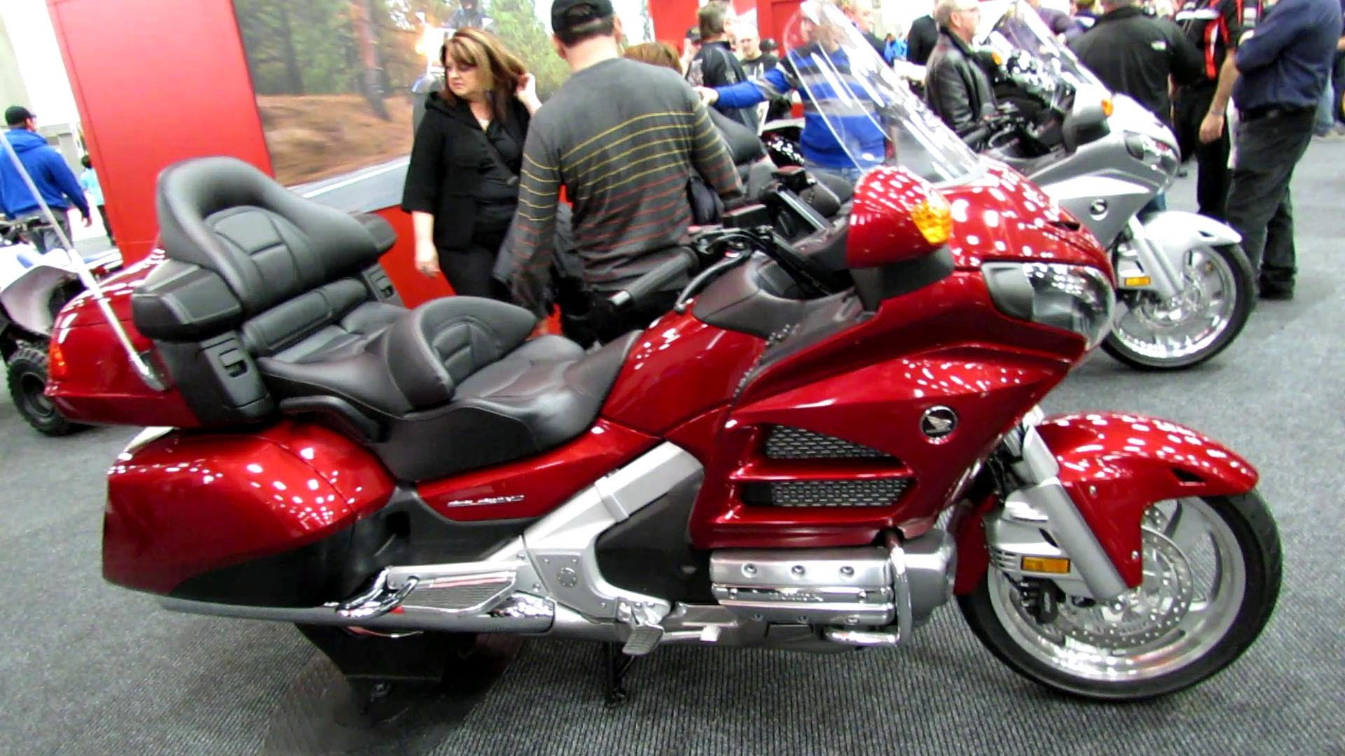 2014 honda gl1800 gold wing ad airbag pics specs and information. Black Bedroom Furniture Sets. Home Design Ideas