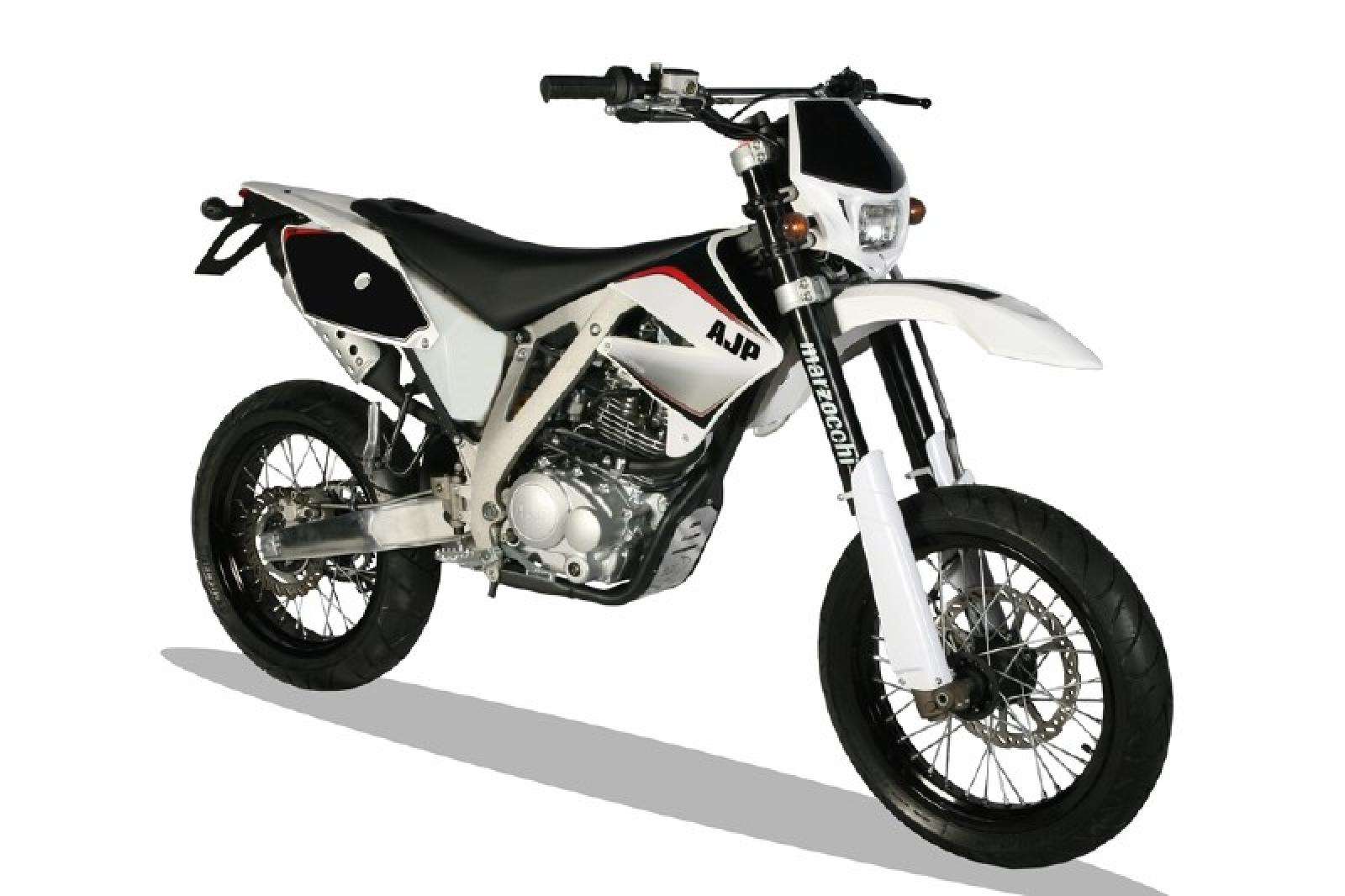 2015 ajp pr4 125 supermotard pics specs and information. Black Bedroom Furniture Sets. Home Design Ideas