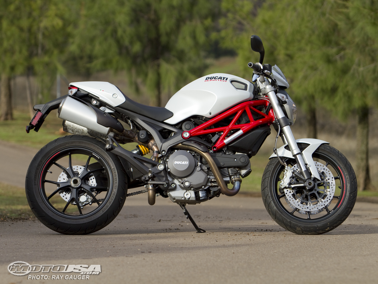 Ducati Hypermotard 796 2011 images #79588