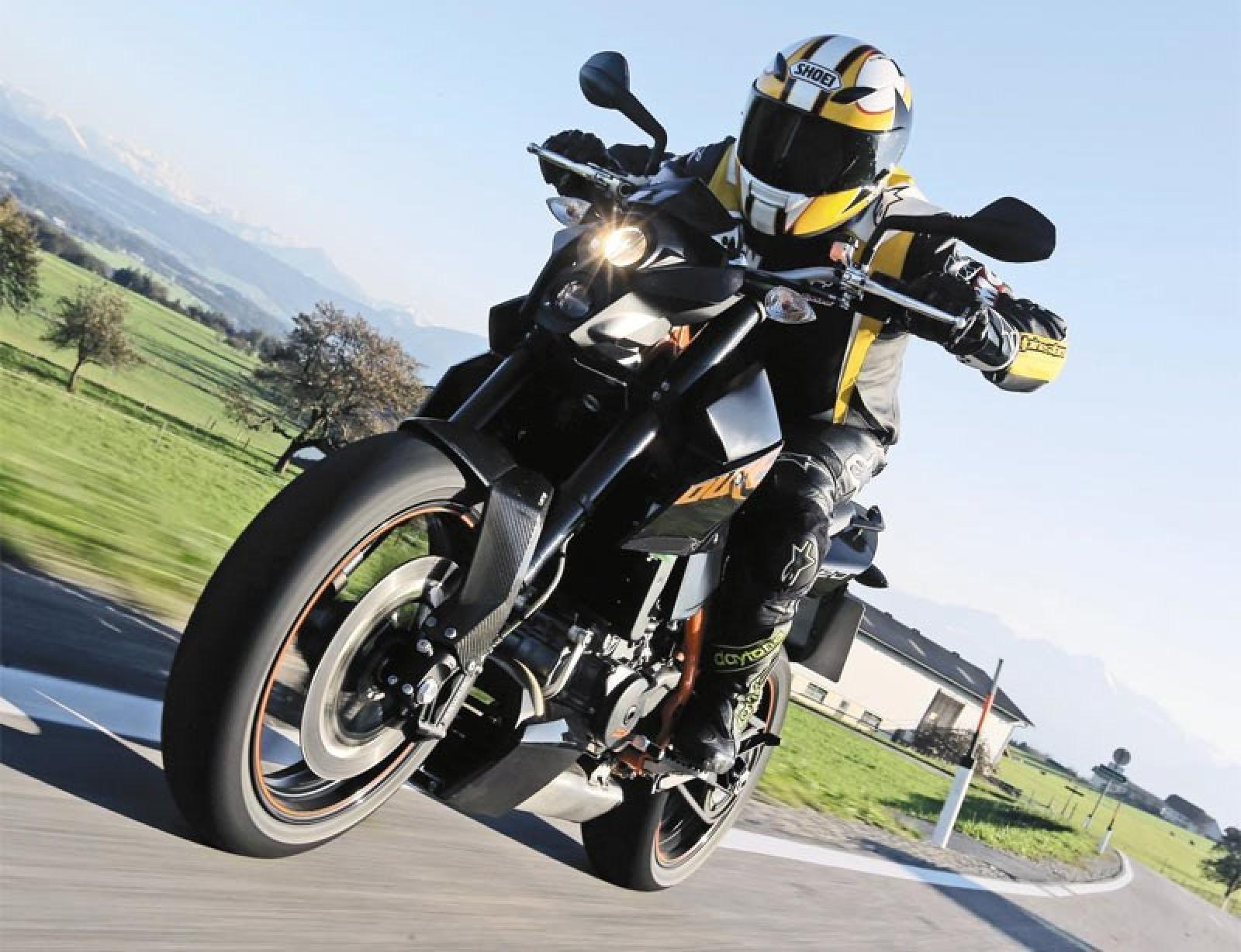 KTM 690 Supermoto Limited Edition 2010 images #155309