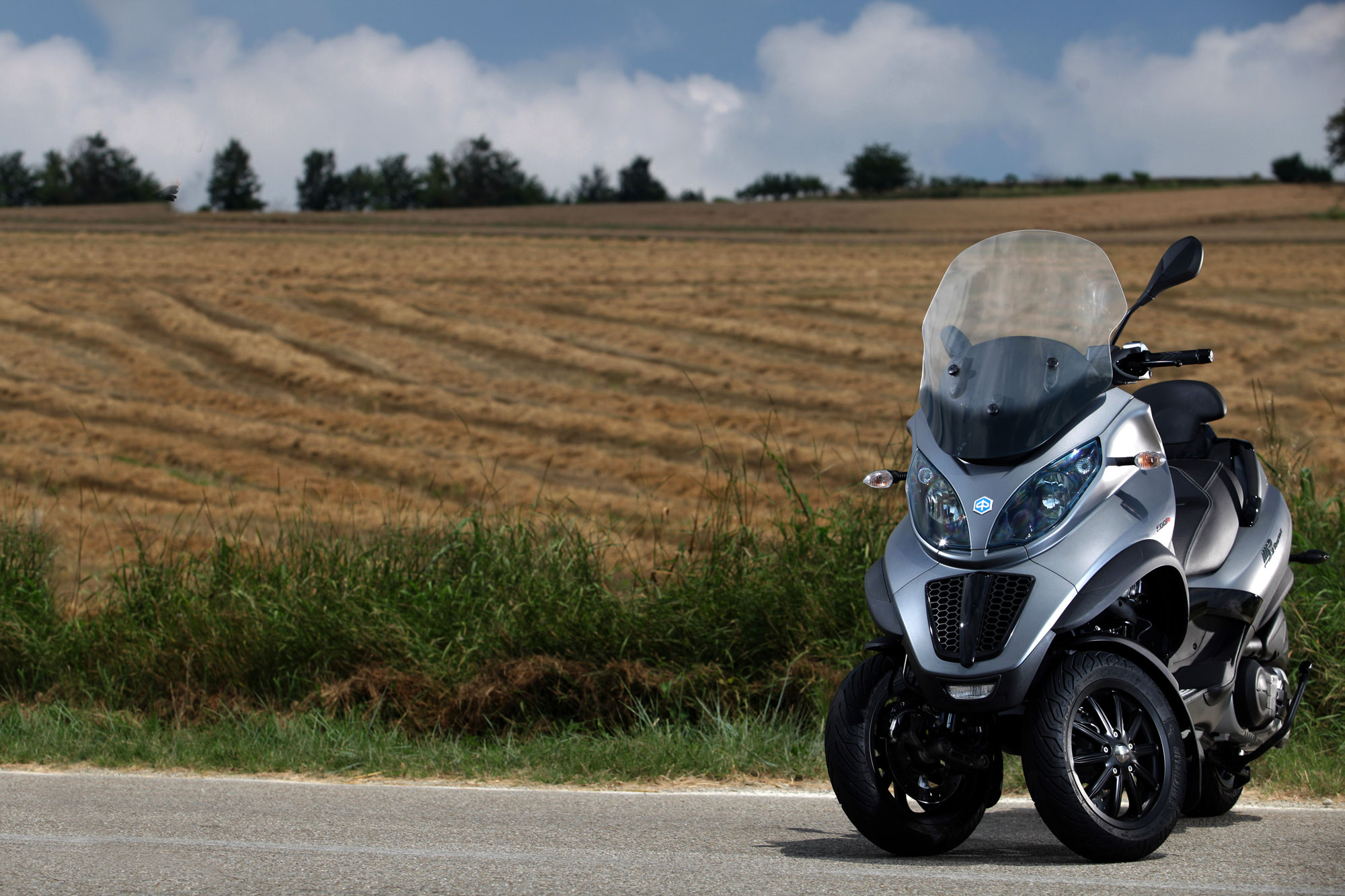 Piaggio MP3 Touring 125 2012 images #120345