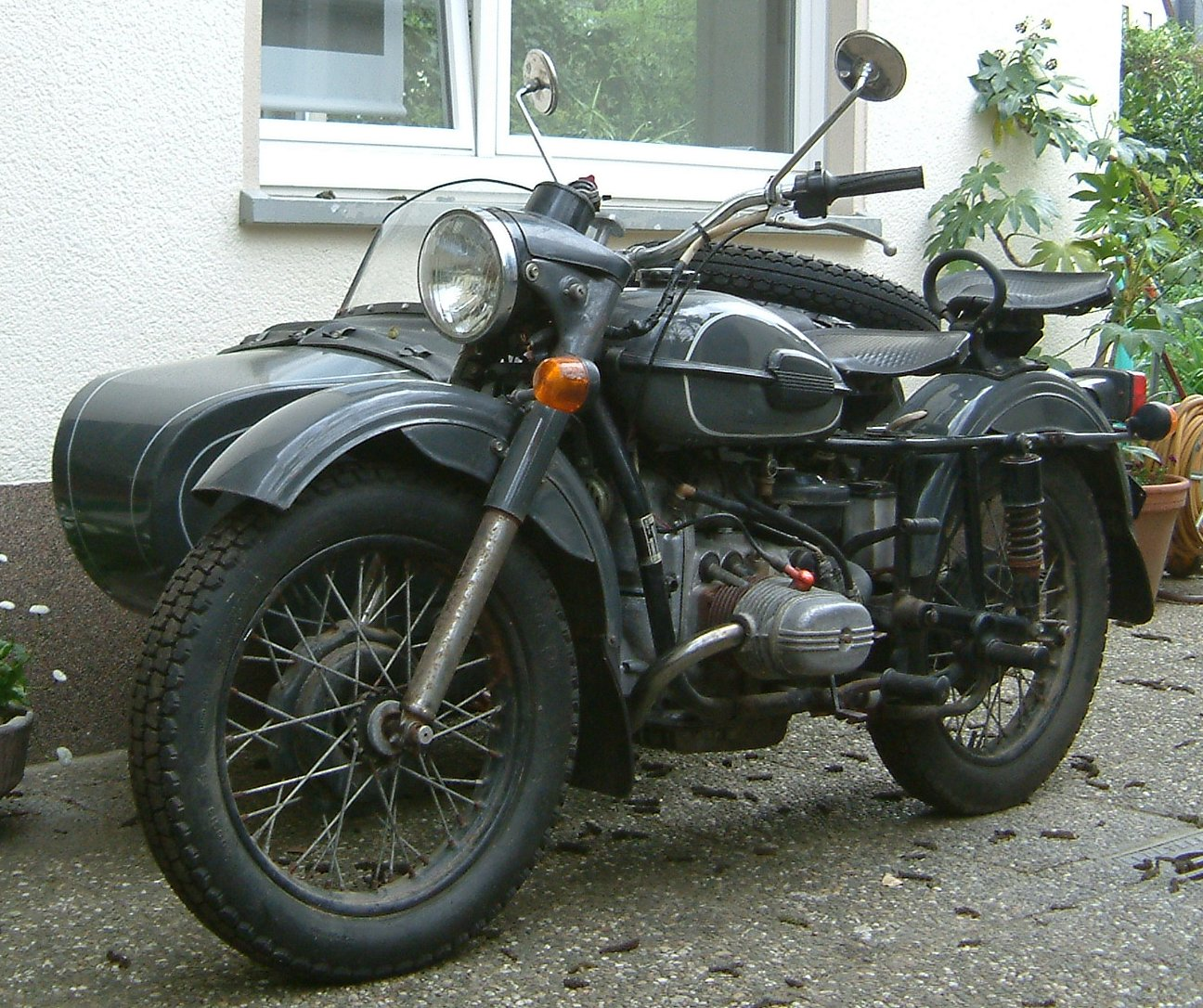 Ural M 67-6 with sidecar 1990 wallpapers #131611