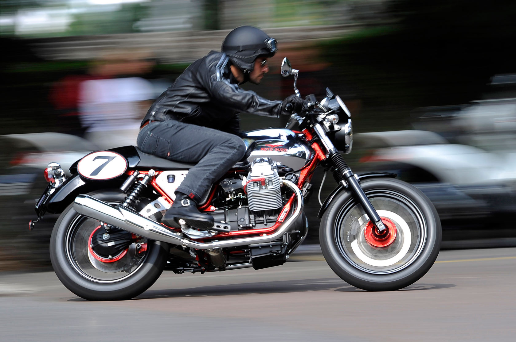 Moto Guzzi V7 Racer Limited Edition 2011 images #109588