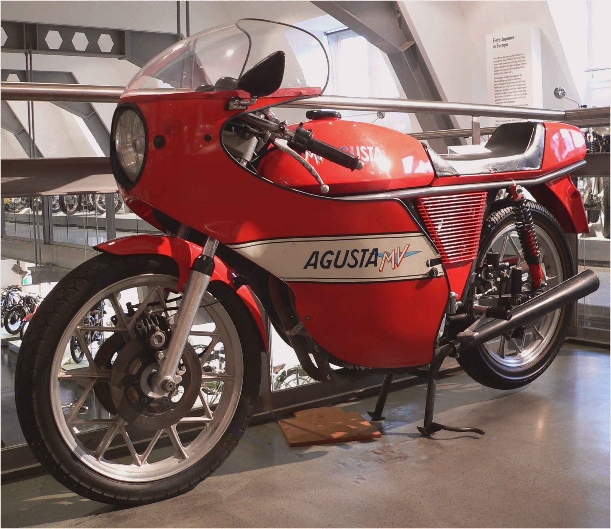 MV Agusta 750 S 1973 images #113056