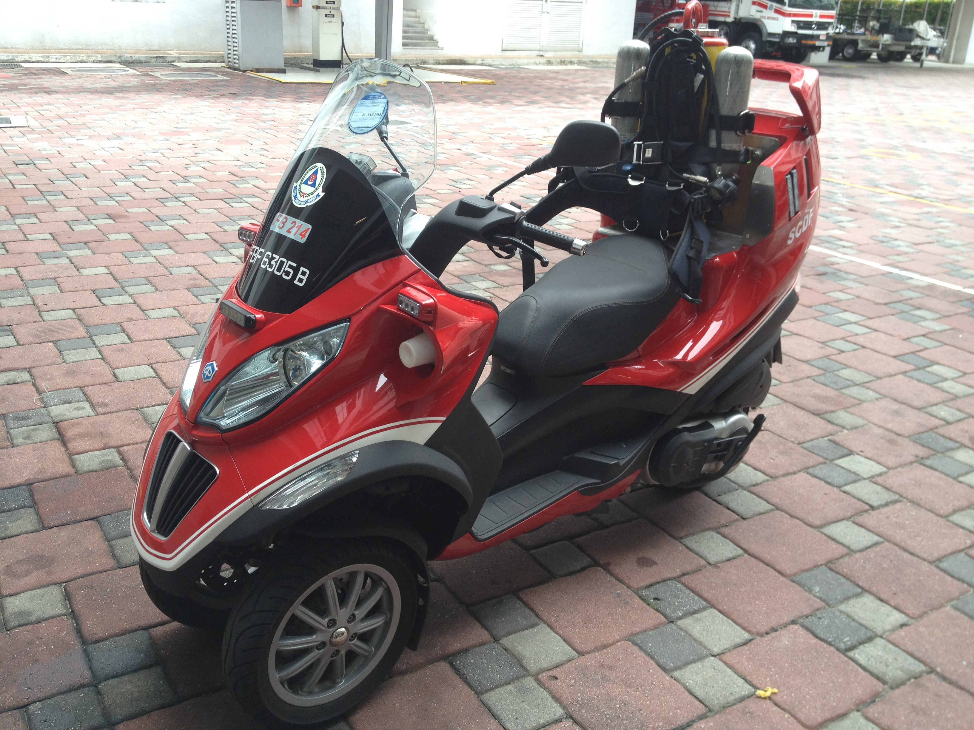Piaggio MP3 125 Hybrid 2010 images #120247