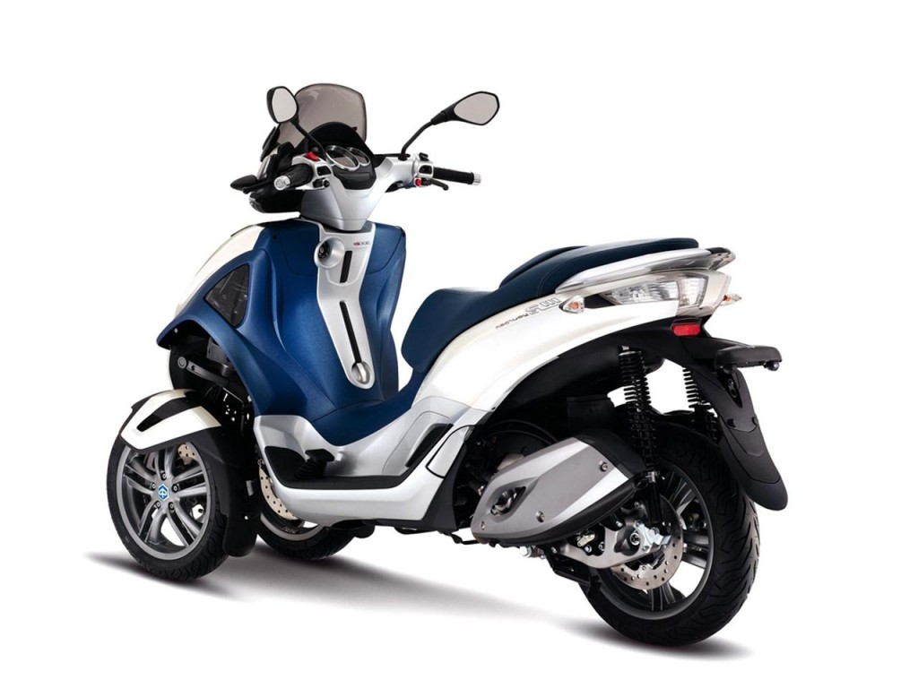 Piaggio MP3 300 Hybrid 2011 images #120546