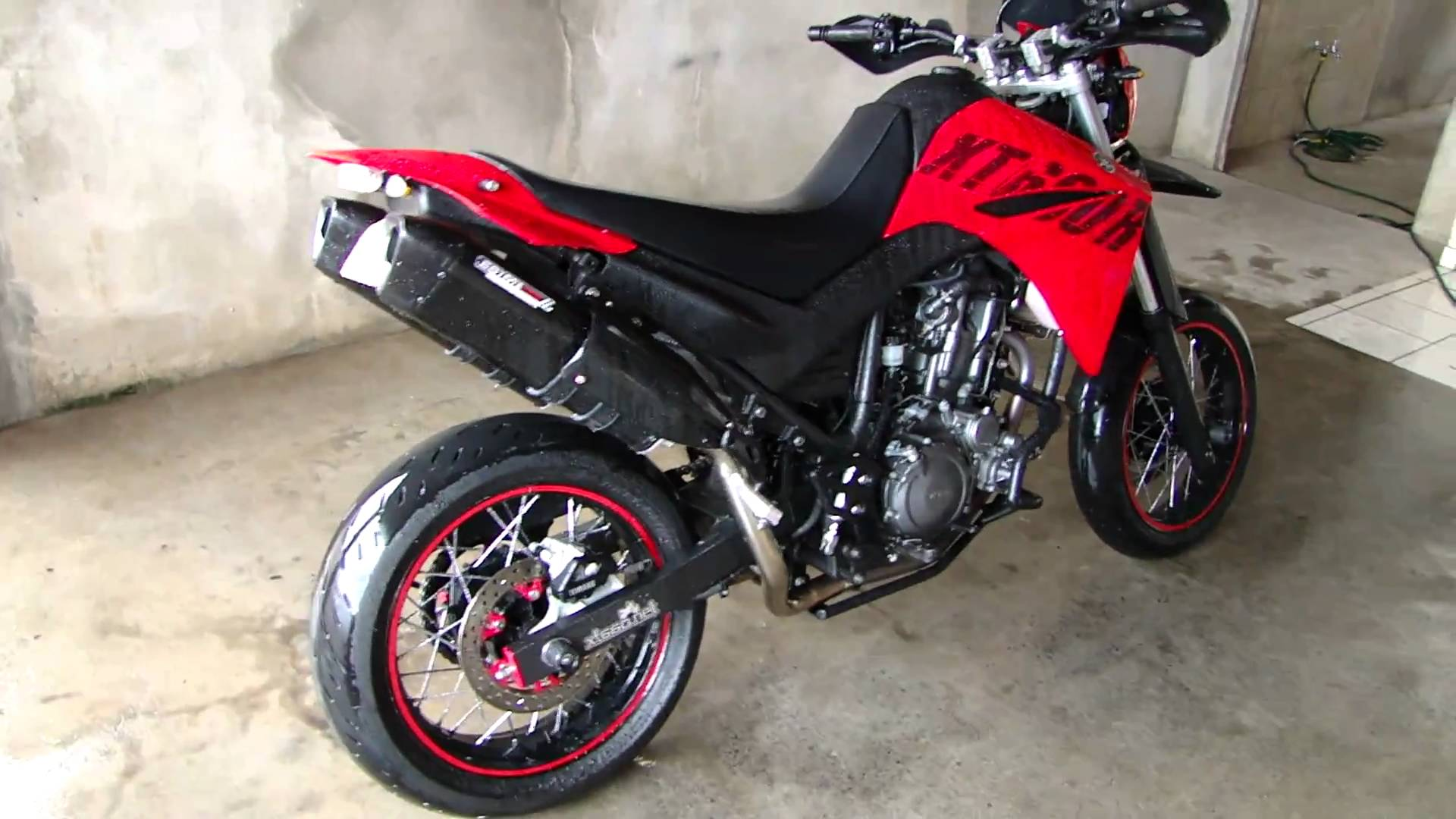 2009 yamaha xt 660 x pics specs and information. Black Bedroom Furniture Sets. Home Design Ideas