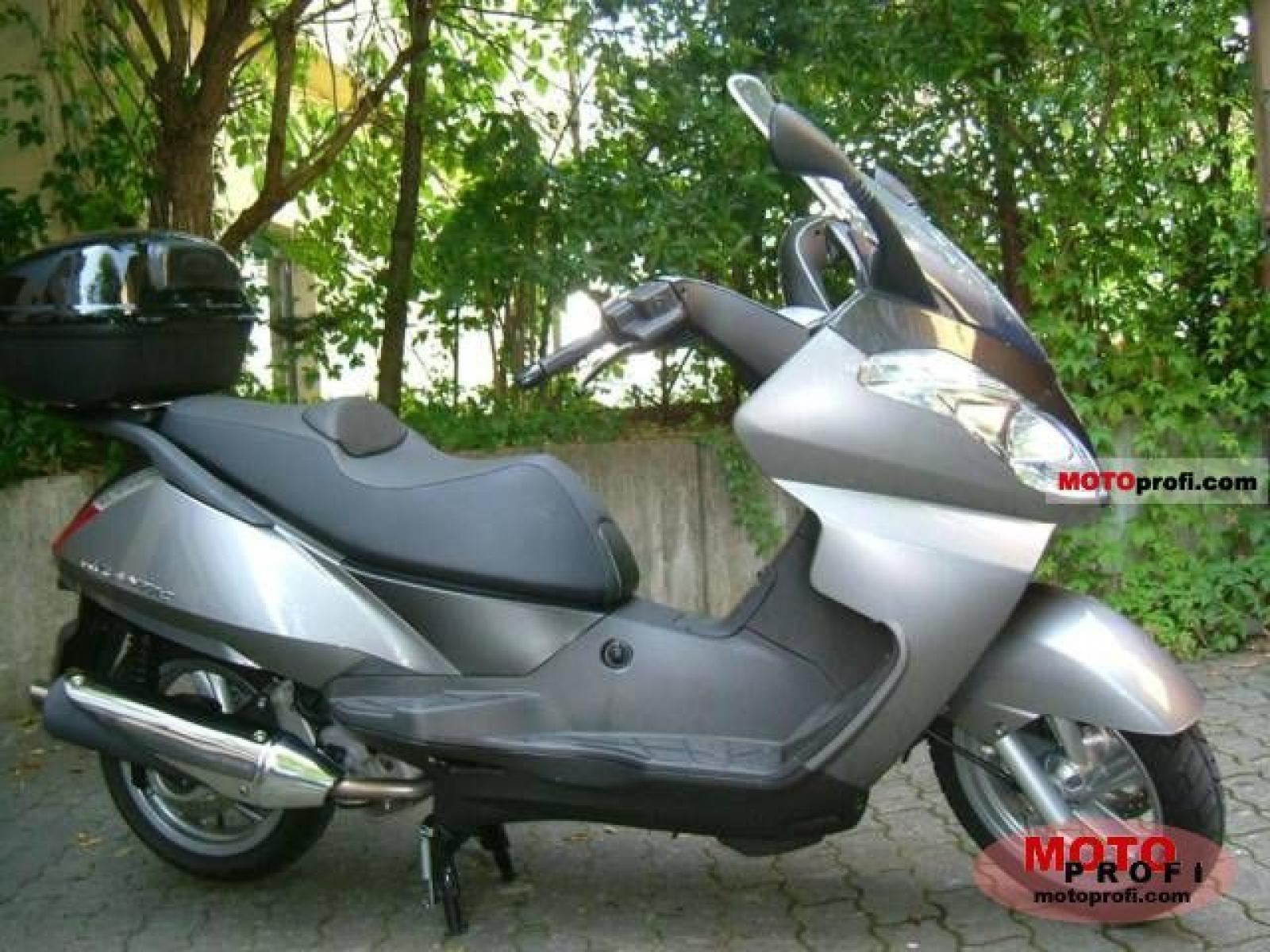 aprilia atlantic 125 pics specs and list of seriess by year. Black Bedroom Furniture Sets. Home Design Ideas