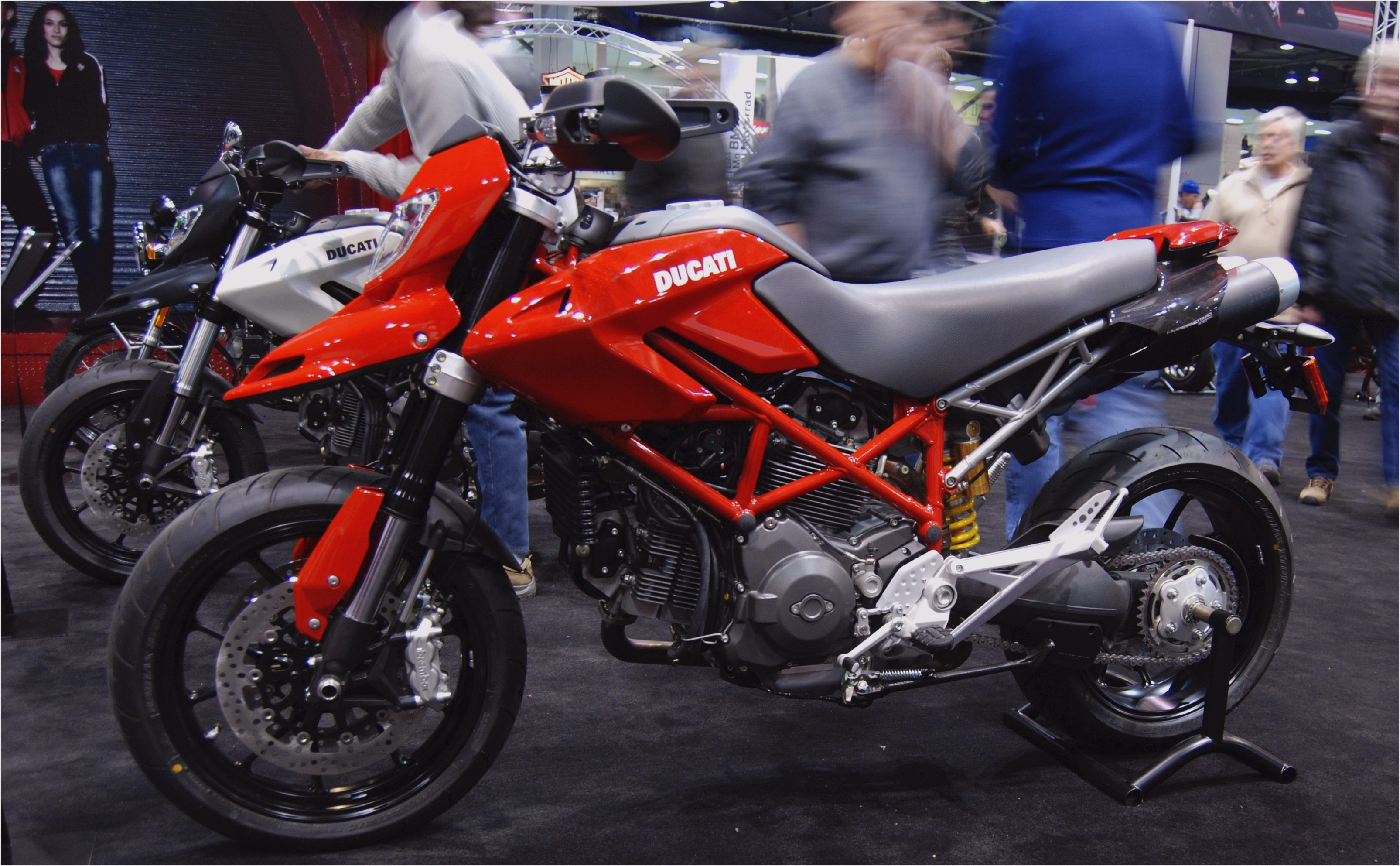 Ducati Hypermotard 796 images #79590