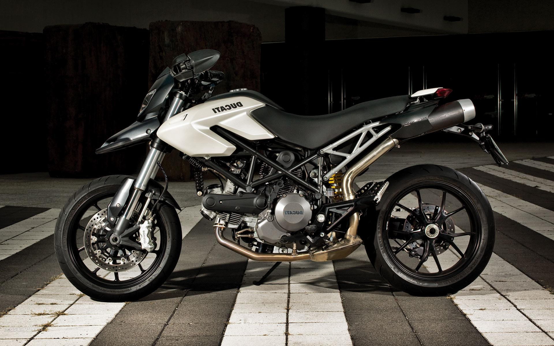2010 ducati hypermotard 796 pics specs and information. Black Bedroom Furniture Sets. Home Design Ideas