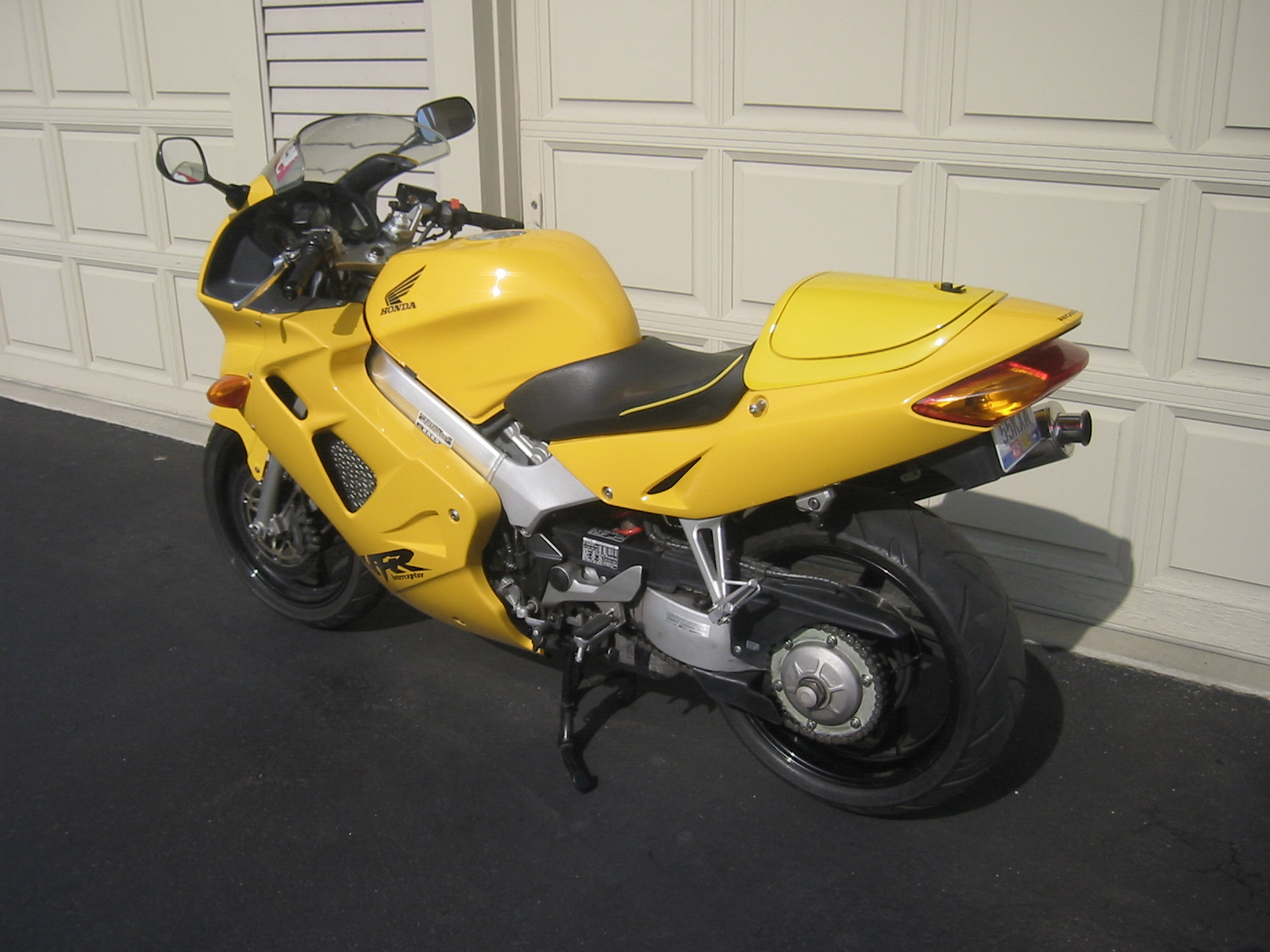 2000 honda vfr 800 f pics specs and information. Black Bedroom Furniture Sets. Home Design Ideas