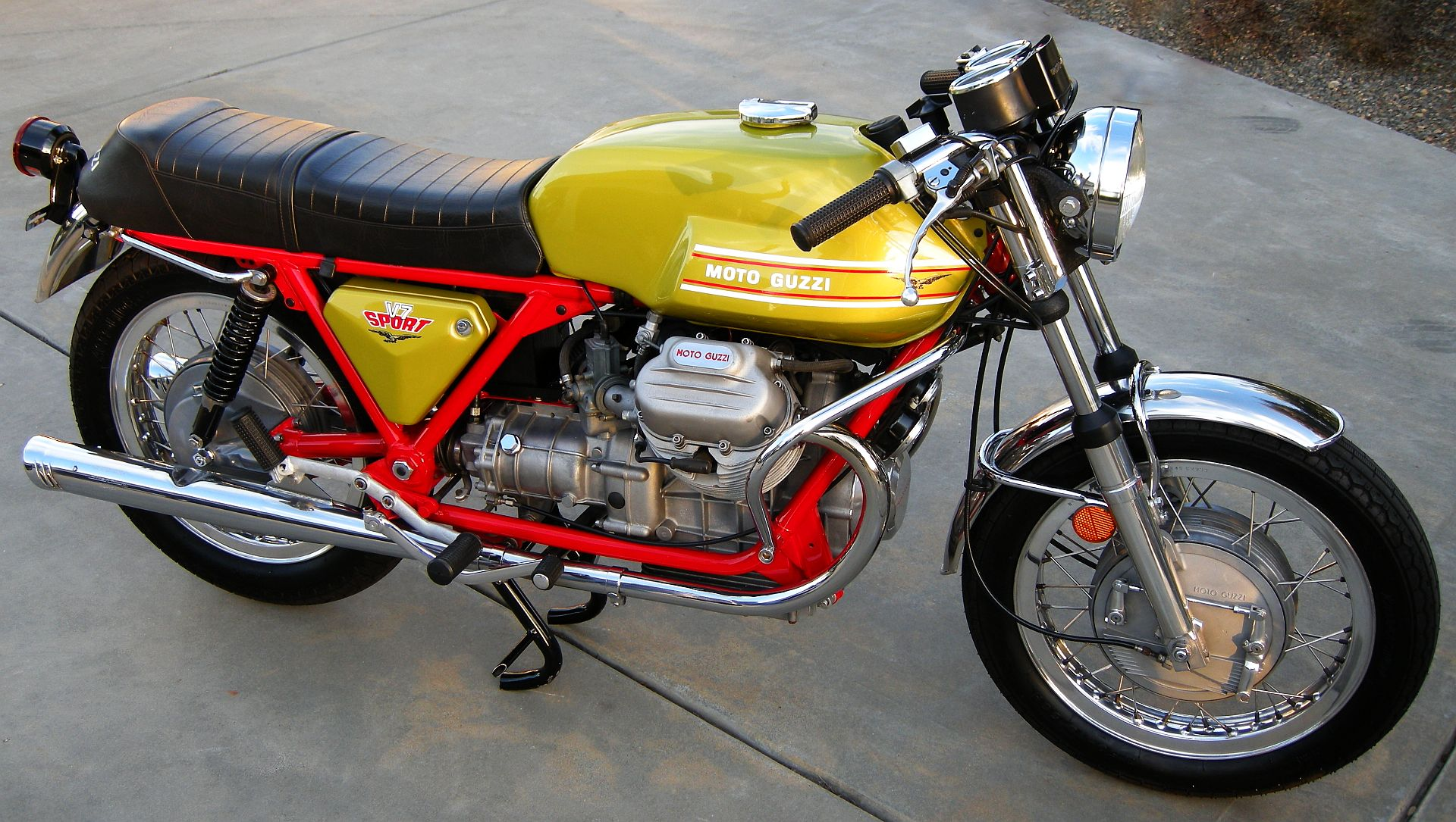 MV Agusta 750 GT 1972 images #113447