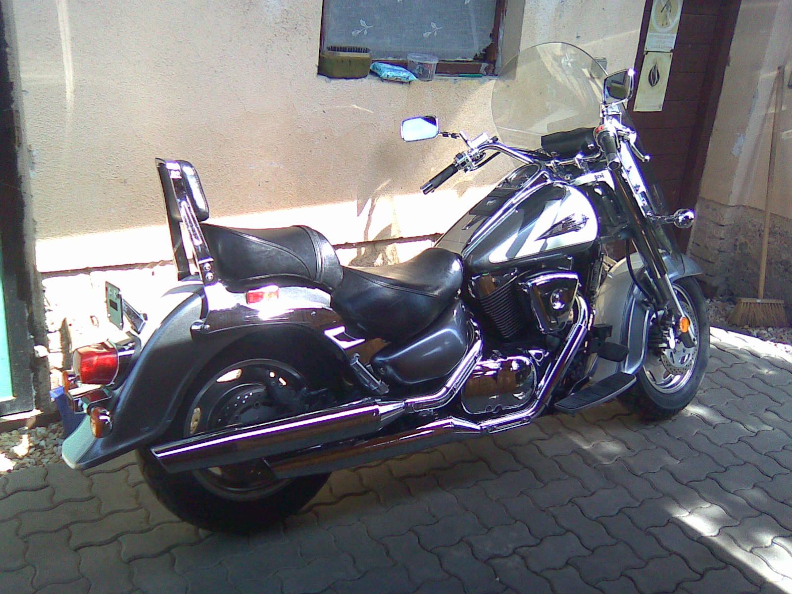 2001 suzuki vl 1500 pics specs and information. Black Bedroom Furniture Sets. Home Design Ideas