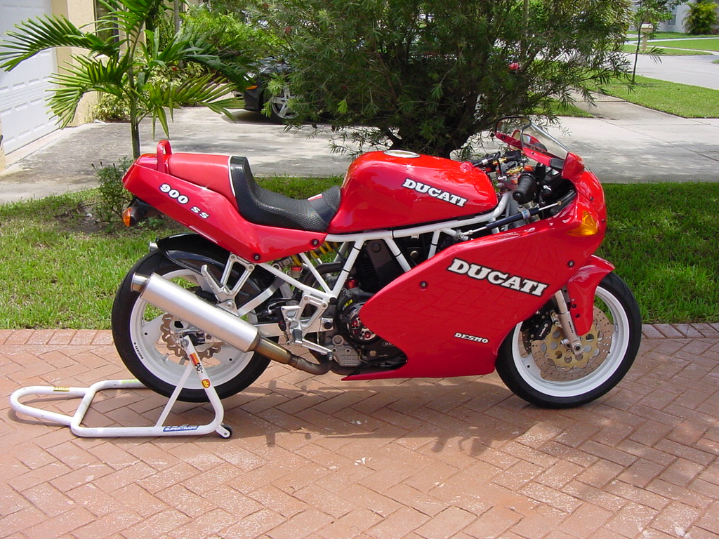 Ducati 900 SS 1993 wallpapers #10793