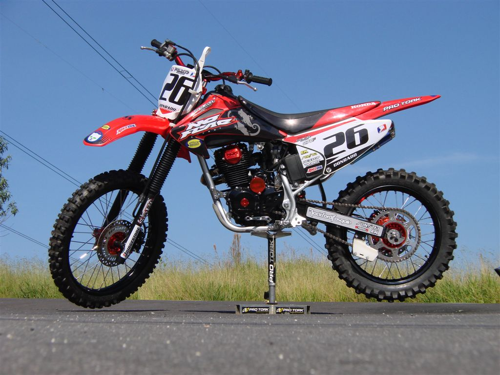 Honda crf 250 x pics specs and list of seriess by year for Ecksofa 250 x 250