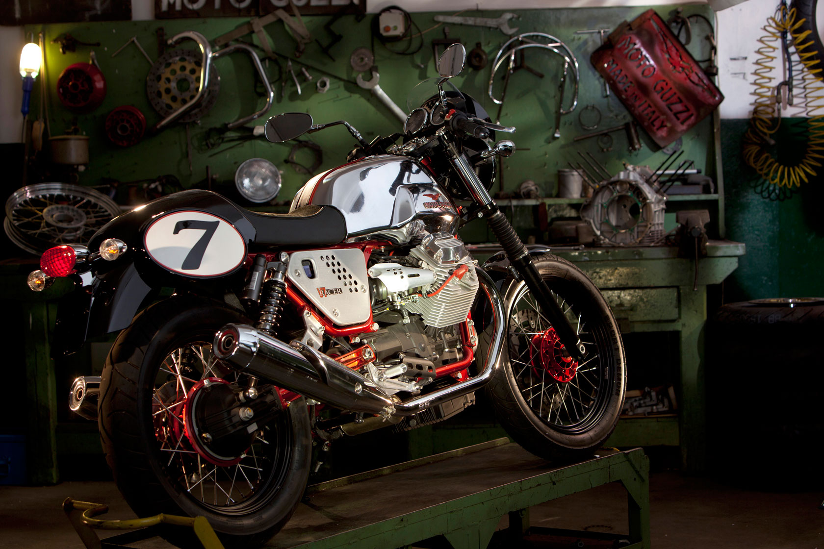 Moto Guzzi V7 Racer Limited Edition images #109591