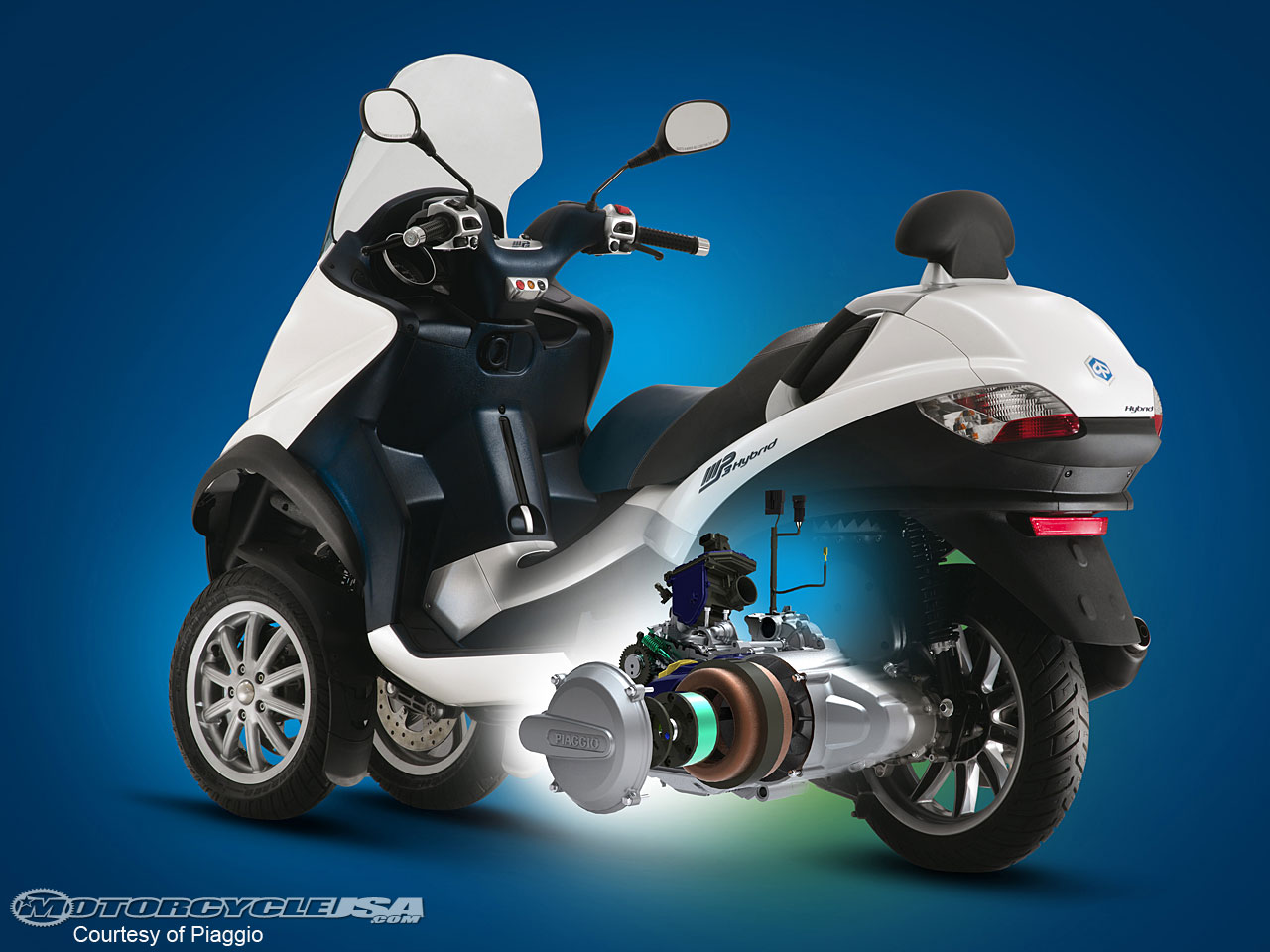 Piaggio MP3 300 Hybrid images #120549