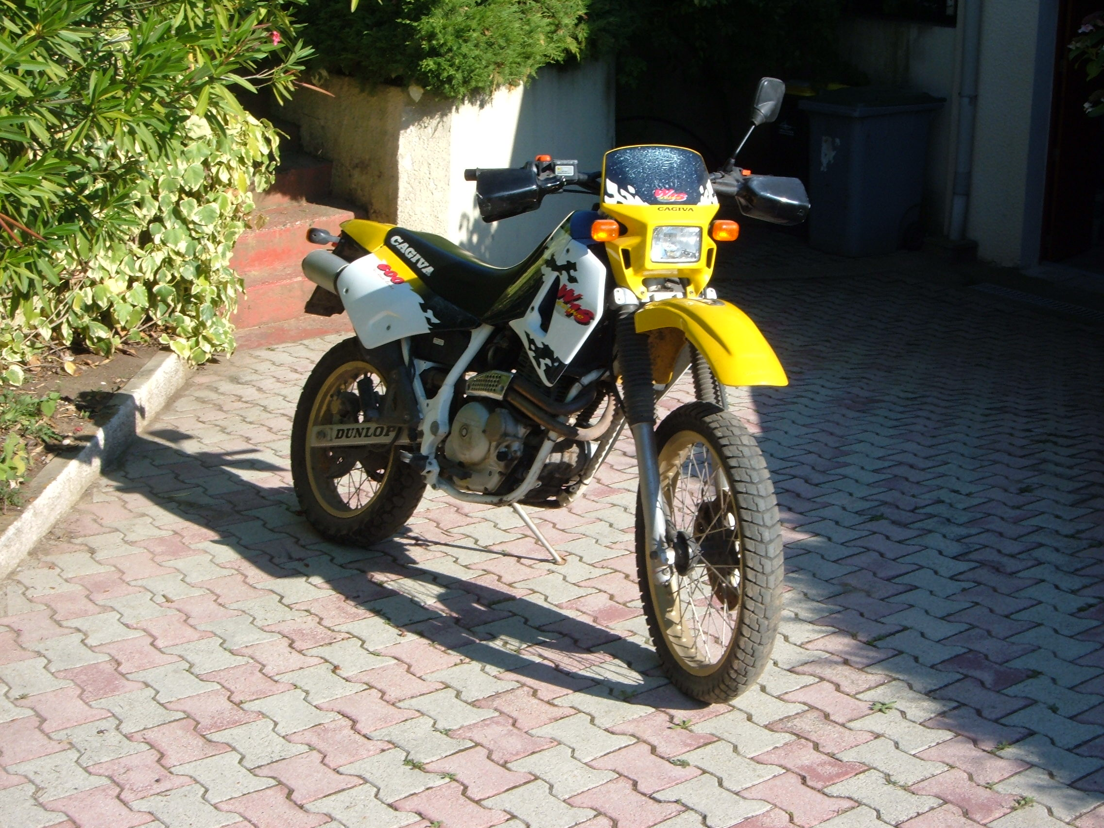 Cagiva 600 W 16 images #67239
