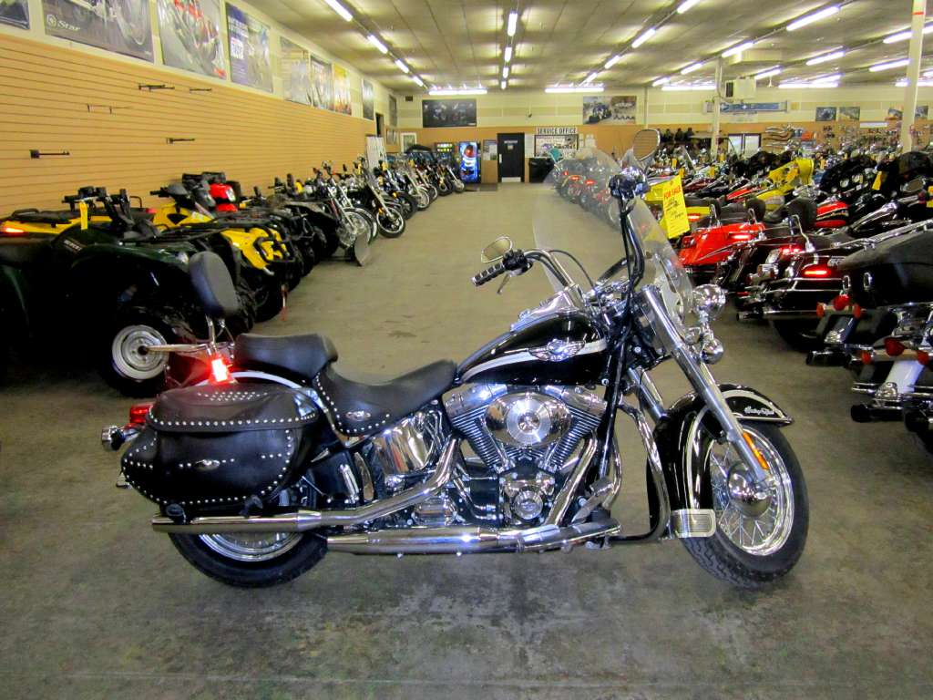 Harley-Davidson FLSTCI Heritage Softail Classic Injection pics #17454