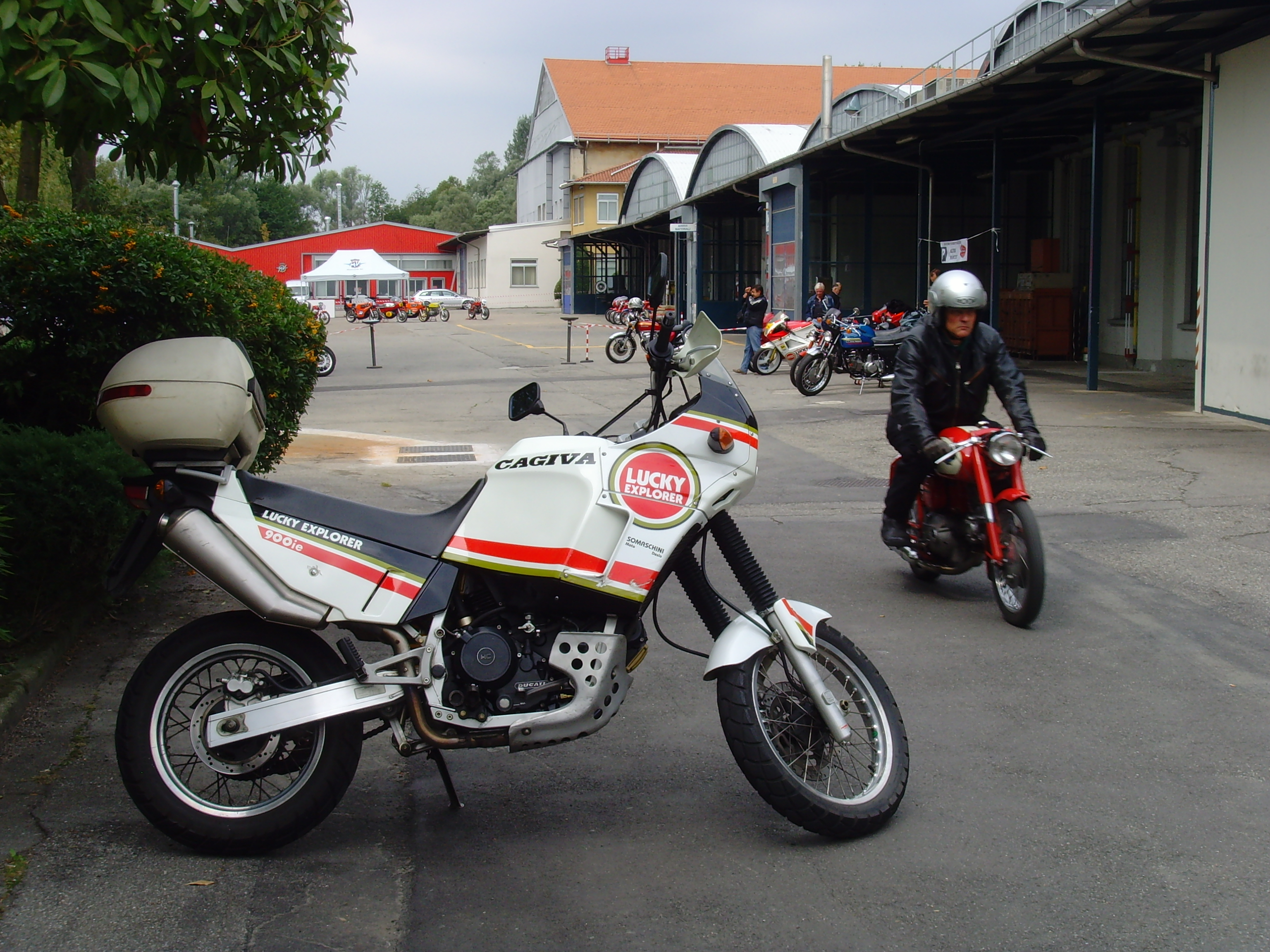 Cagiva Elefant 900 IE Lucky Strike images #69014