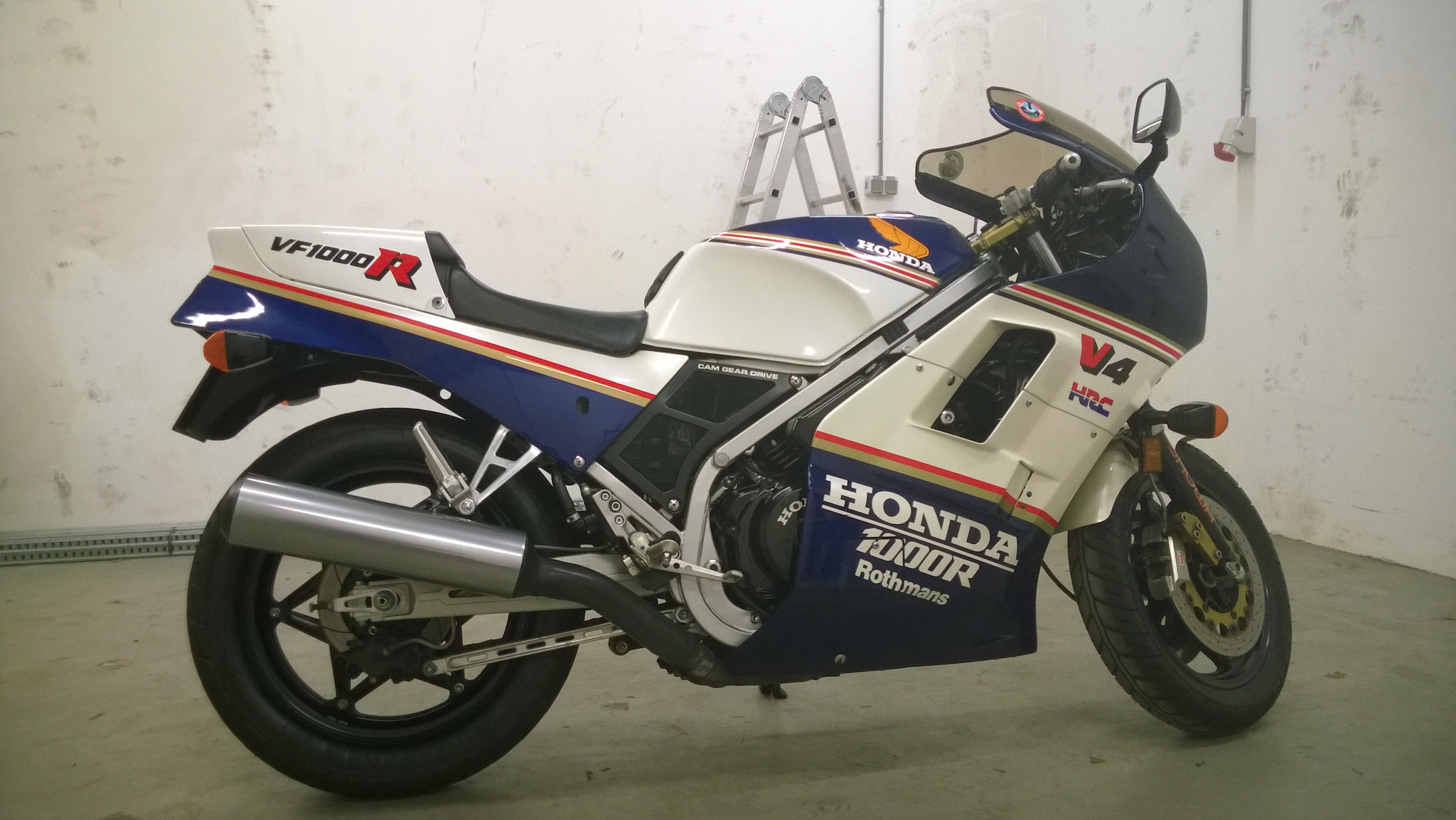 Honda VF 1000 F 1986 wallpapers #133699