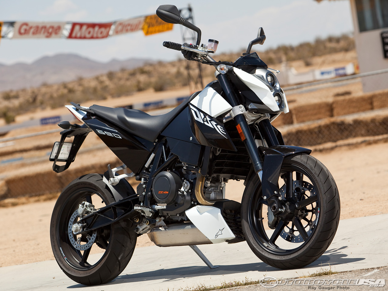 KTM 690 Supermoto Limited Edition images #155317