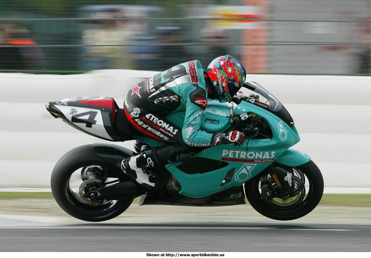Petronas FP1 2004 images #119077