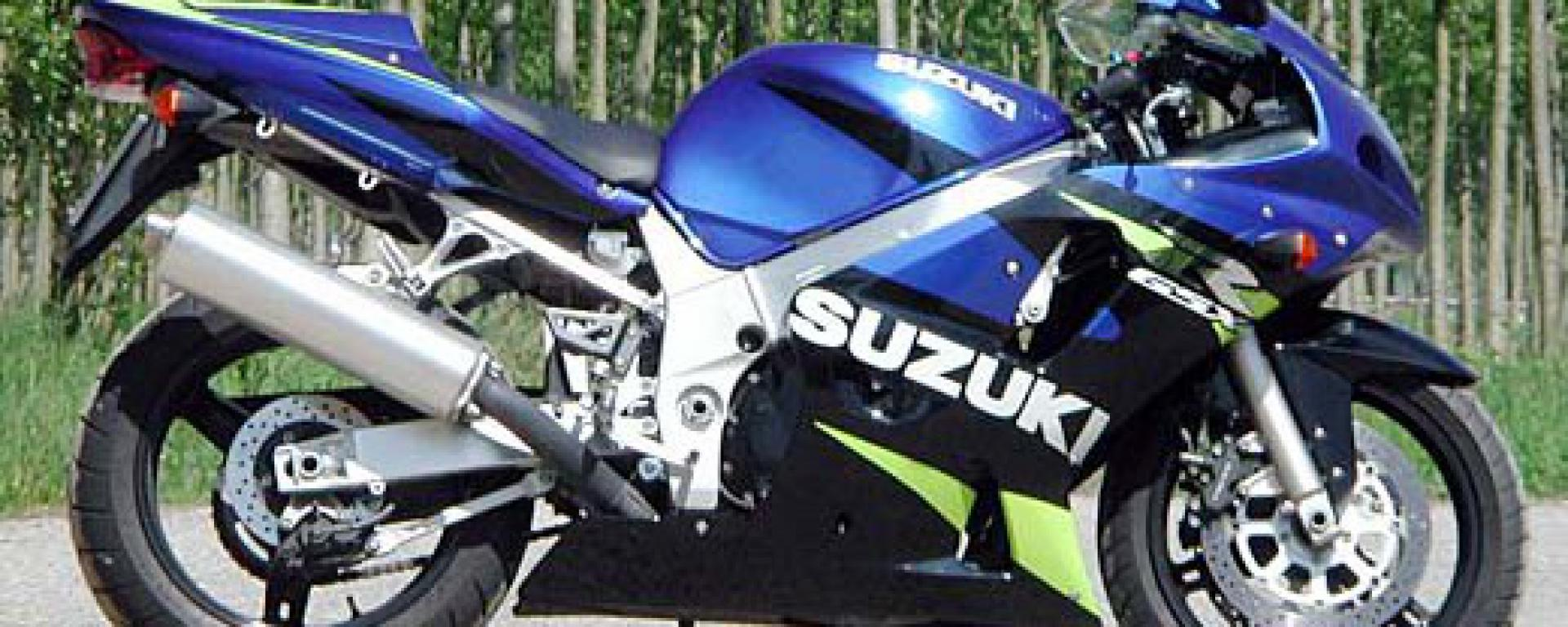 2002 suzuki gsx r 600 pics specs and information. Black Bedroom Furniture Sets. Home Design Ideas