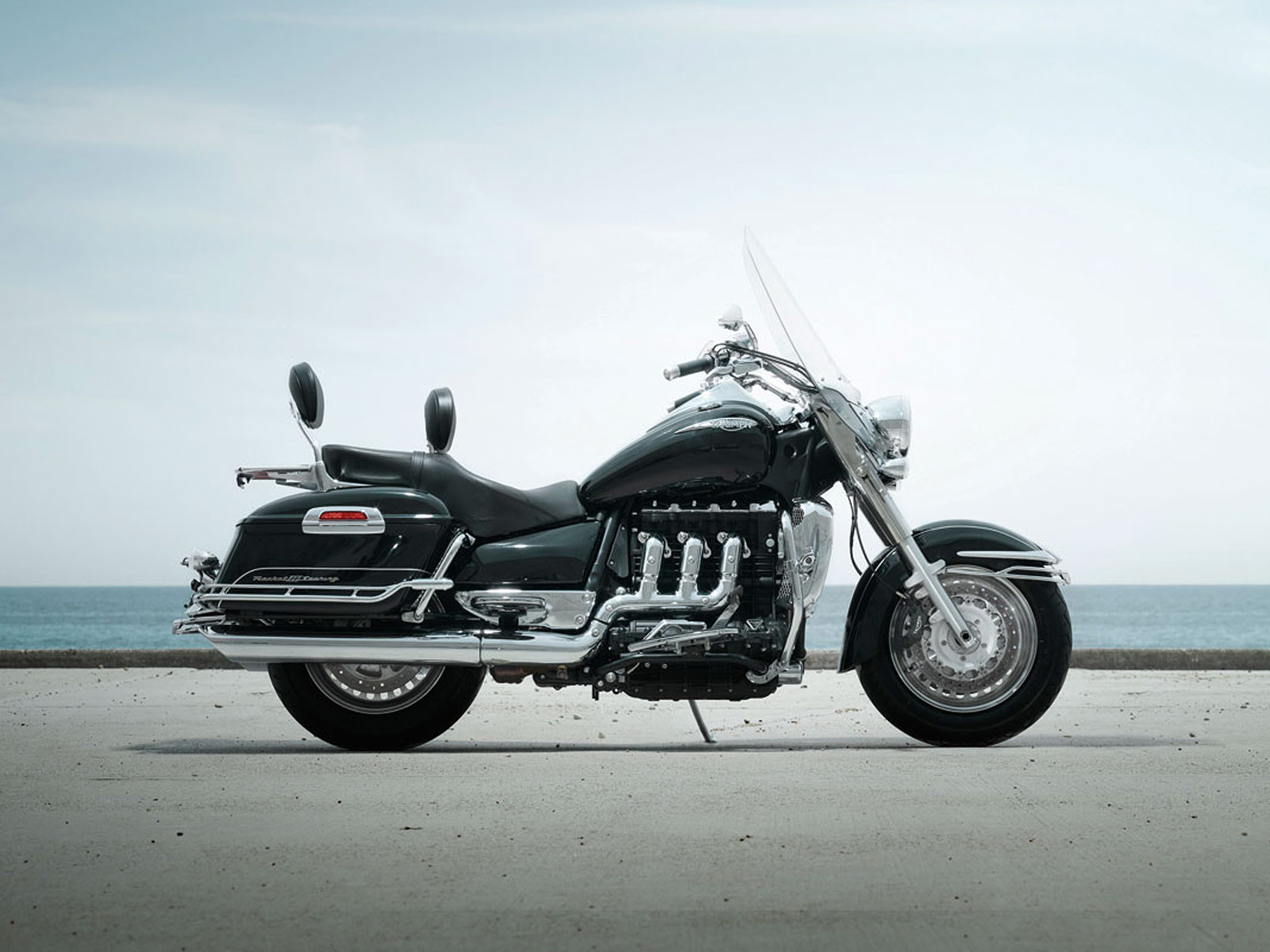 Triumph Rocket III Touring 2010 images #126297