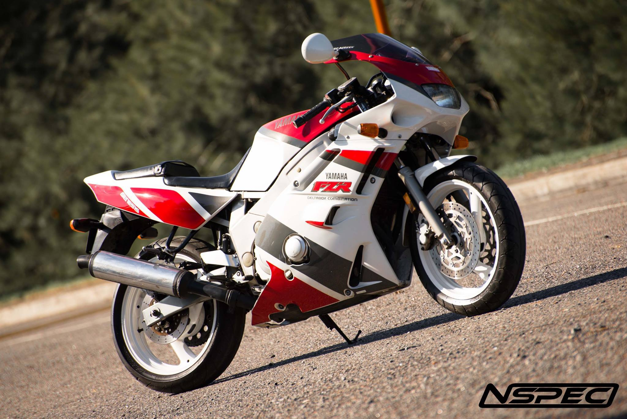 Yamaha Fzr 600 R Pics Specs And List Of Seriess By Year Onlymotorbikes Com