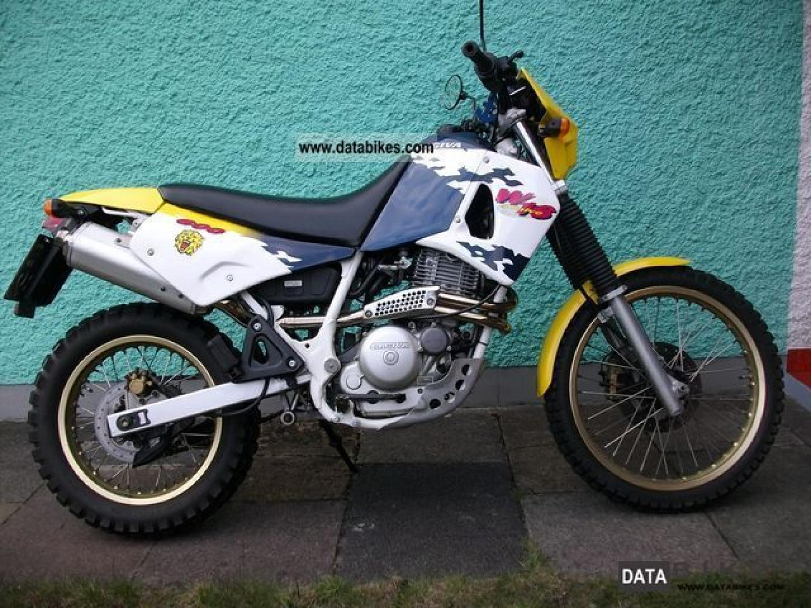 Cagiva 600 W 16 images #67241