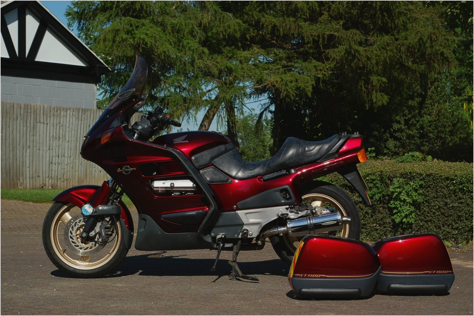 honda st 1300 pan european abs pics specs and list of. Black Bedroom Furniture Sets. Home Design Ideas