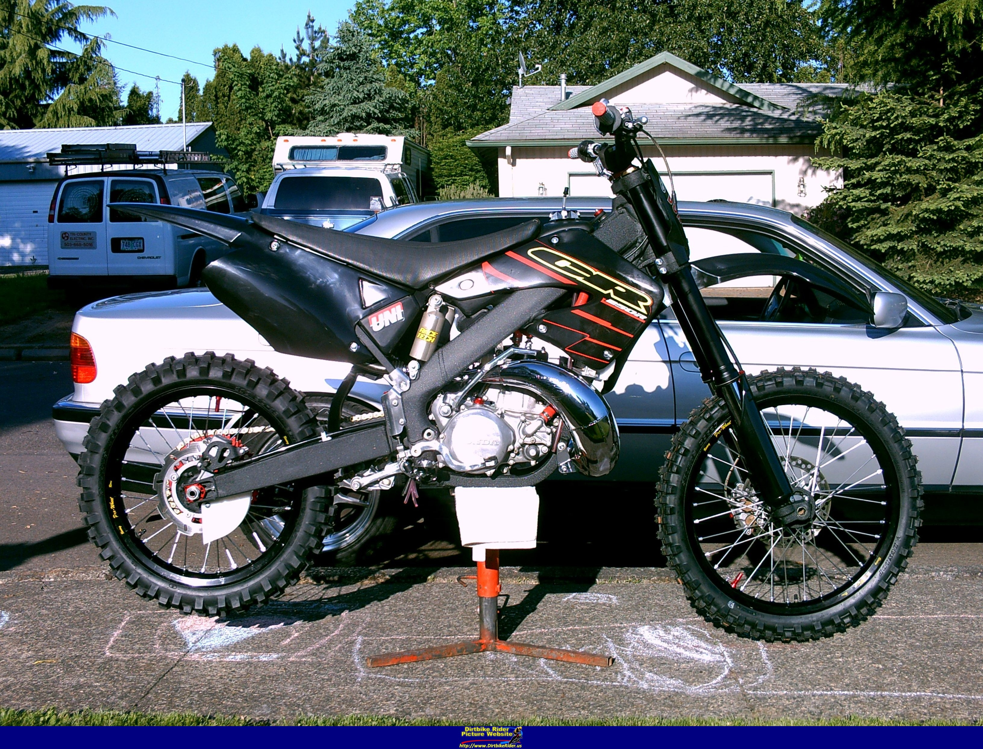 Honda Cr 250 R Pics Specs And List Of Seriess By Year Onlymotorbikes Com