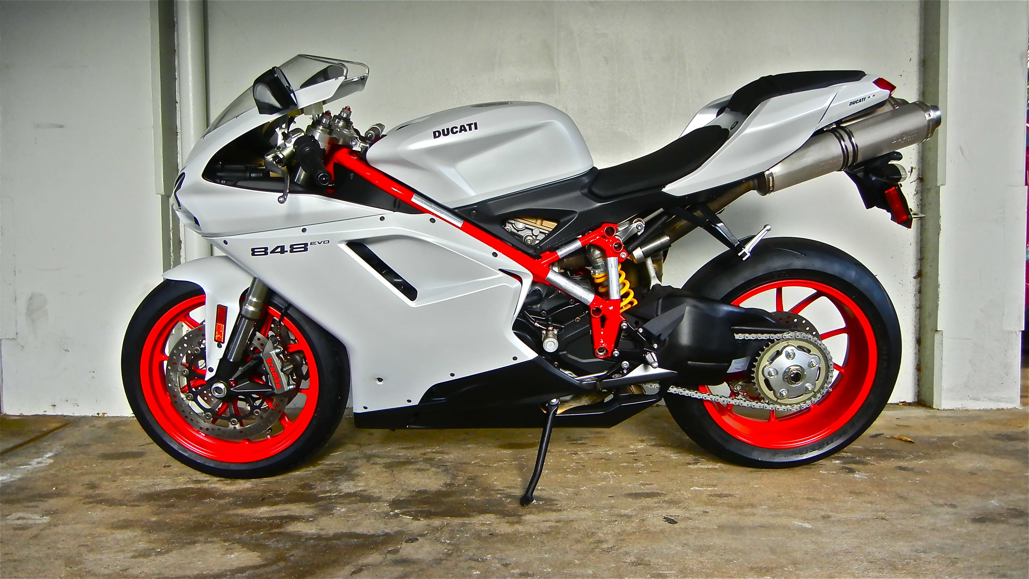 Ducati 848 EVO: pics, specs and list of seriess by year ...