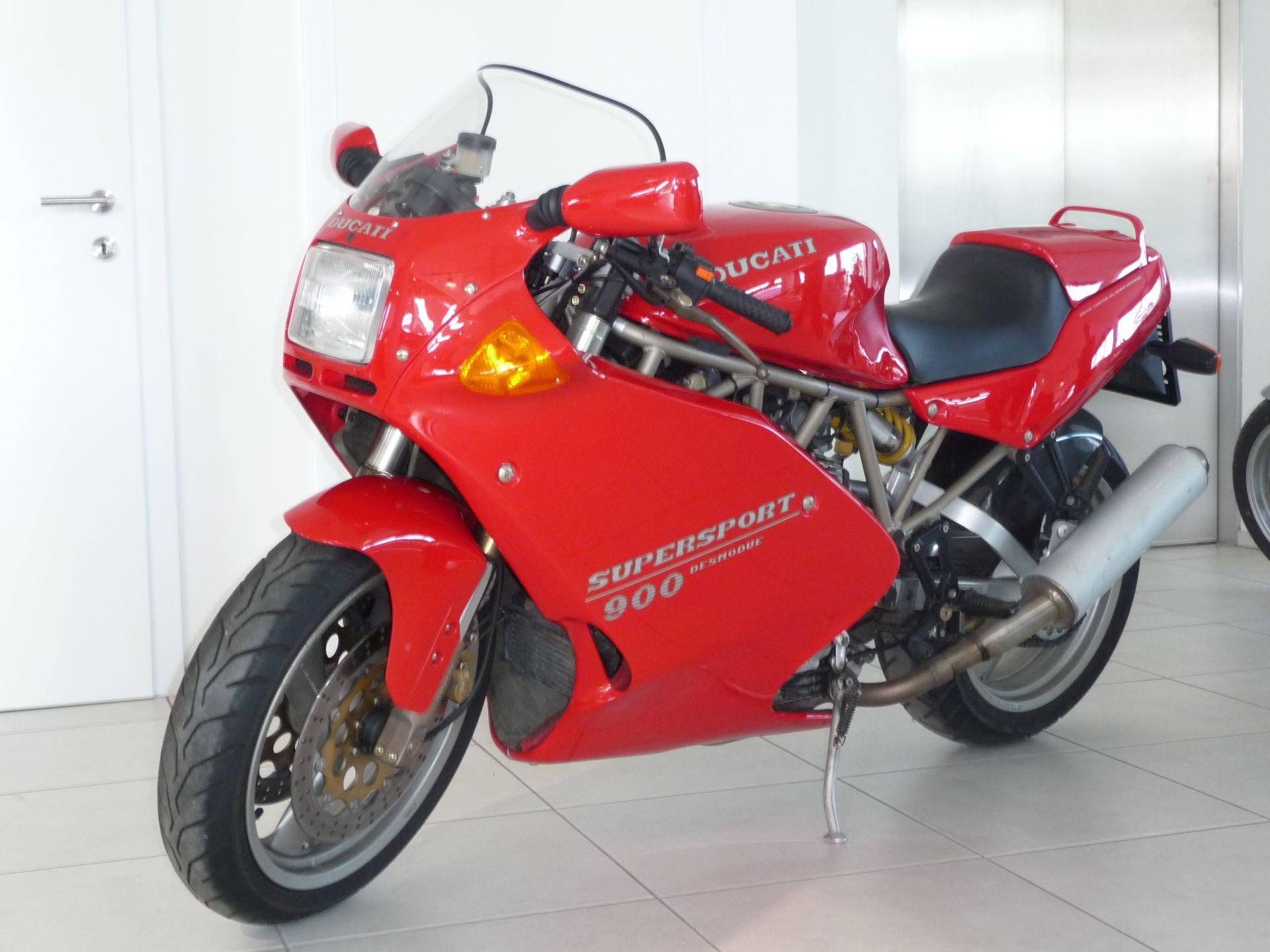 Ducati 900 SS Carenata 2001 wallpapers #11096