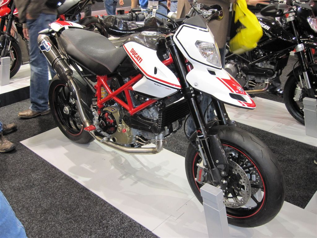 2011 ducati hypermotard 1100 evo sp pics specs and information. Black Bedroom Furniture Sets. Home Design Ideas