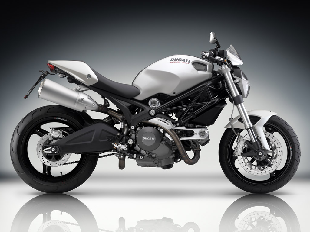 Ducati Monster 696 2010 wallpapers #13086