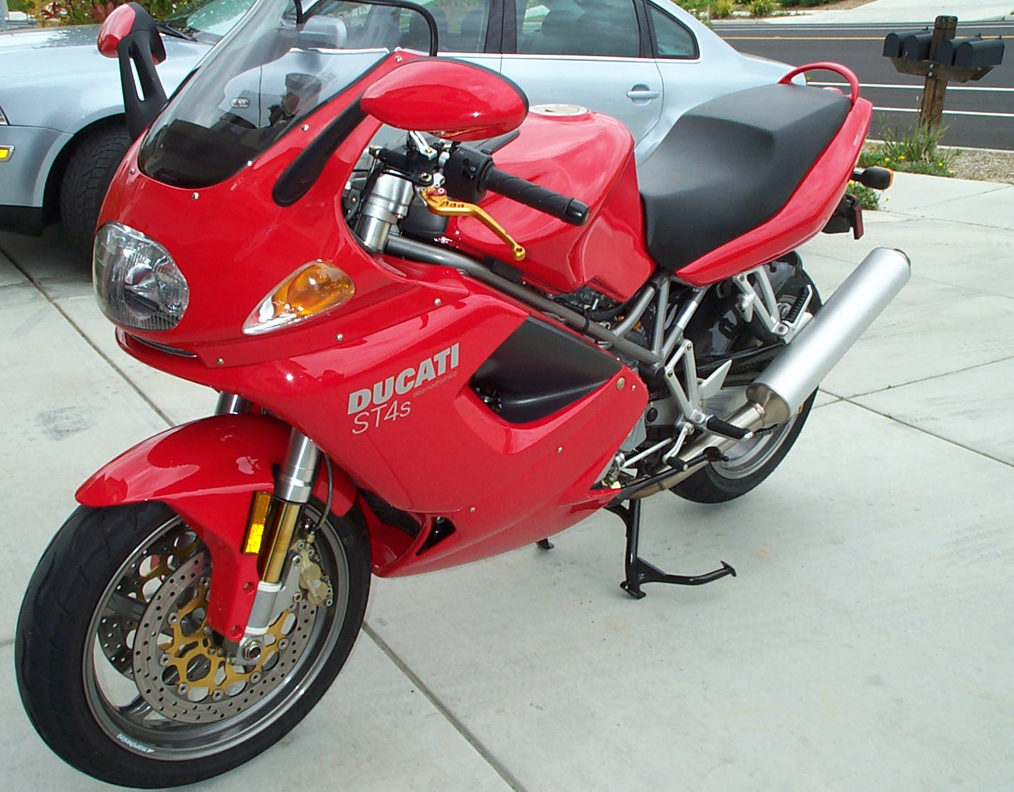 Ducati ST4 S 2005 wallpapers #11594