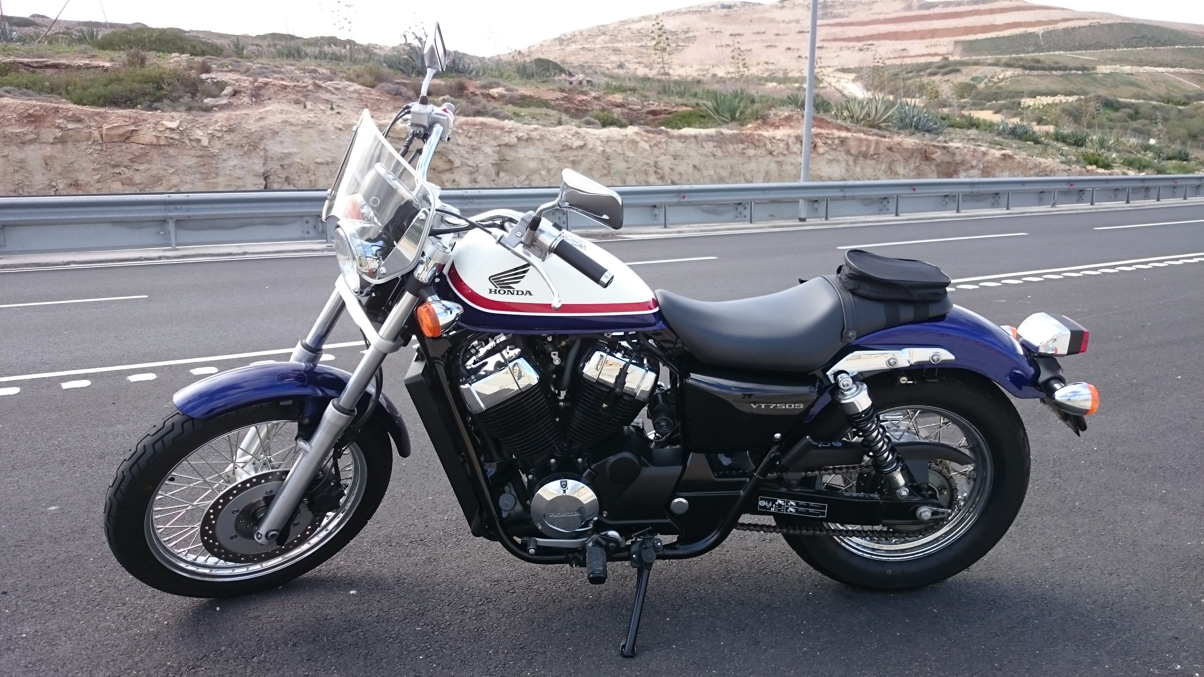 honda vt 750s shadow rs pics specs and list of seriess. Black Bedroom Furniture Sets. Home Design Ideas